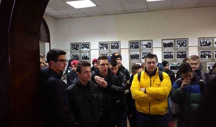 danas-19-12-2016-muzej-istocne-bosne-tuzla-su-posjetili-ucenici-srednje-masinsk.jpg
