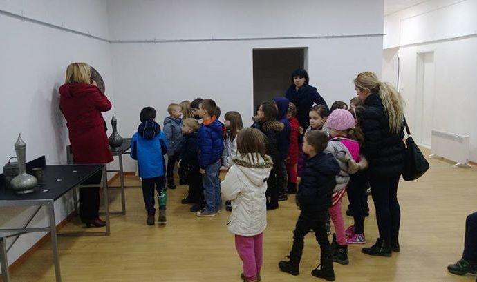 najmladji-posjetioci-u-muzeju-ju-nase-dijete-obdaniste-poletarac-17-02-201.jpg
