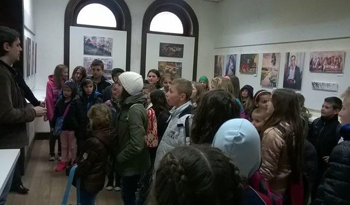 ucenici-osnovne-skole-iz-stupara-posjetili-su-biolosku-zbirku-u-pratnji-nastavn.jpg