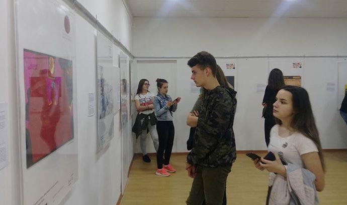 ucenici-gradjevinske-skole-tuzla-u-posjeti-muzejskoj-izlozbi-tuzla-03-05-2018.jpg